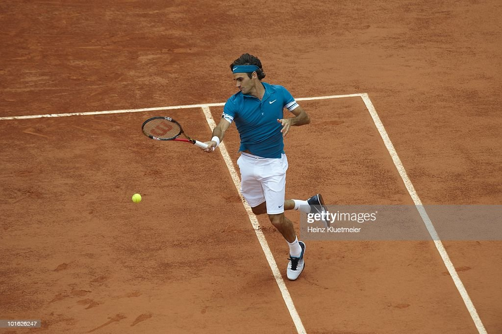 Switzerland Roger Federer in action vs Germany Julian Reister during Men's 3rd Round at Stade Roland Garros. Paris, France 5/30/2010