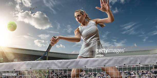 Tennis Mädchen Hero bereit zu gewinnen