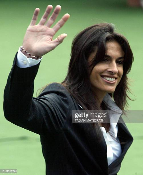 """Tennis great Gabriela Sabatini of Argentina waves as she arrives for a function at the newly-named """"Steffi Graf Stadium"""" in Berlin 25 September 2004...."""