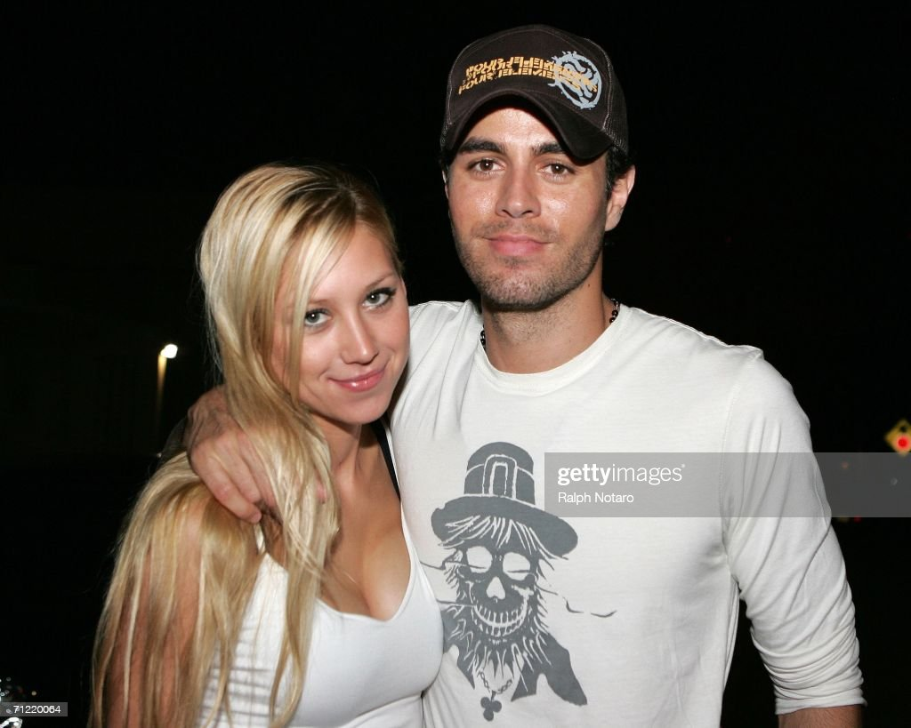 Enrique Iglesias and Anna Kournikova On South Beach