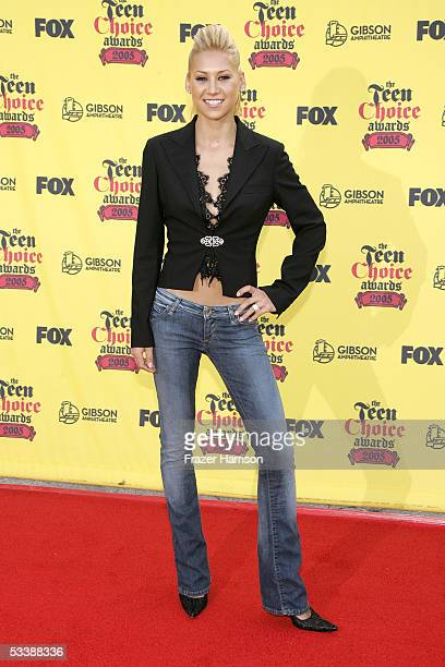 Tennis player Anna Kournikova arrives at the 2005 Teen Choice Awards held at Gibson Amphitheatre at Universal CityWalk on August 14 2005 in Universal...