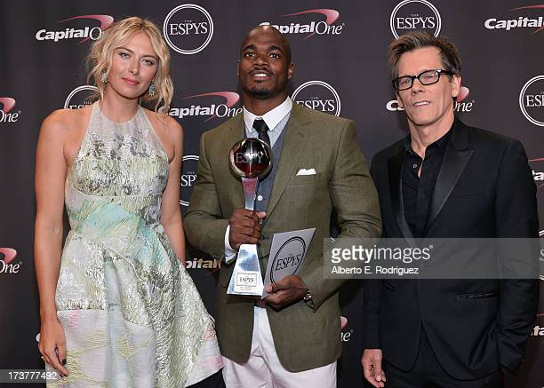 Tennis player Maria Sharapova NFL player Adrian Peterson winner of Best Comeback Athlete award and actor Kevin Bacon pose ackstage at The 2013 ESPY...