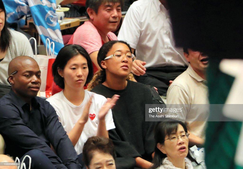 Grand Sumo Antumn Tournament - Day 7 : News Photo
