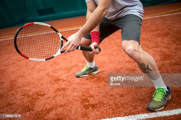 tennis player preparation - ilbusca foto e immagini stock
