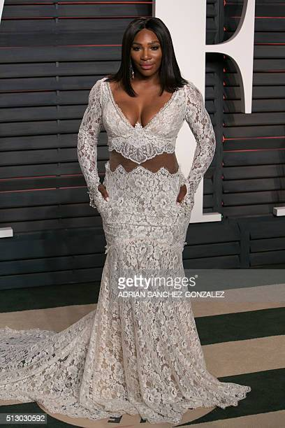 US tennis player Serena Williams poses as she arrives to the 2016 Vanity Fair Oscar Party in Beverly Hills California on February 28 2016 / AFP /...