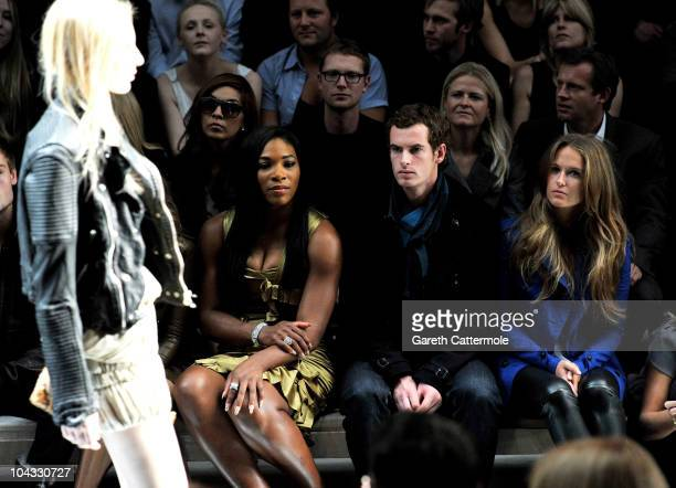 Tennis player Serena Williams tennis player Andy Murray and Kim Sears attend the Burberry Prorsum Spring/Summer 2011 fashion show during LFW at...