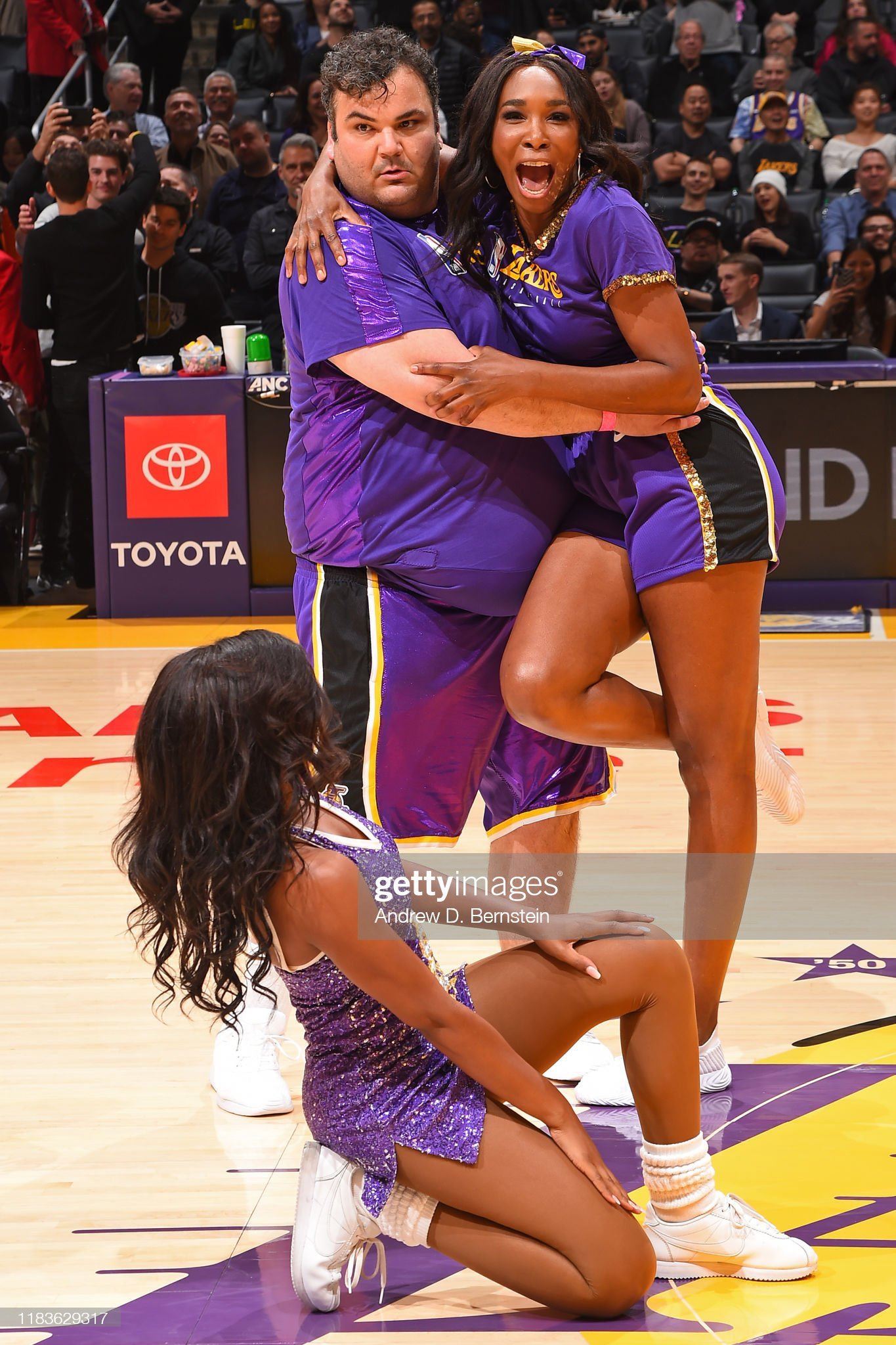 Oklahoma City Thunder v Los Angeles Lakers : News Photo