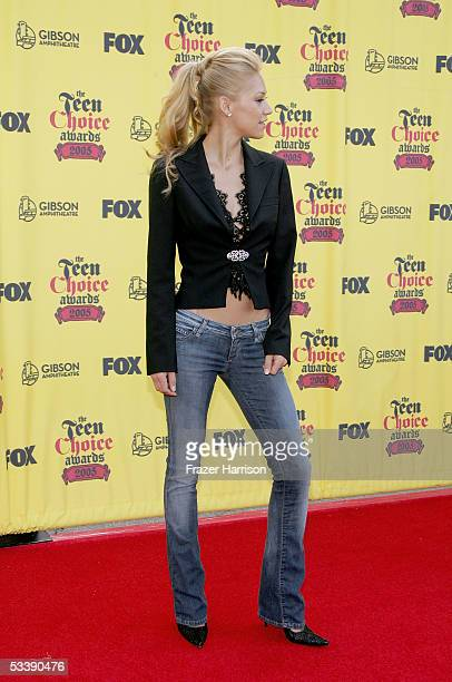 Tennis pro Anna Kournikova arrives at the 2005 Teen Choice Awards held at Gibson Amphitheatre at Universal CityWalk on August 14 2005 in Universal...