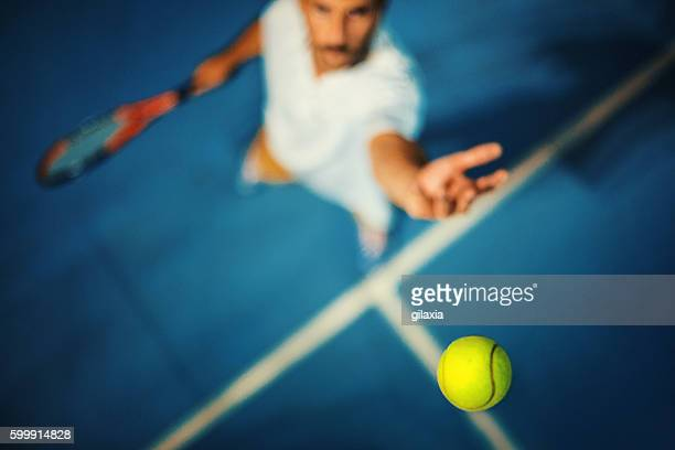 tennis serve. - tennis stock-fotos und bilder