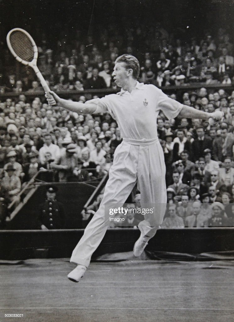 Tennis: The Us-American Tennis Player And Single-Champion Don Budge In Wimbledon. July 1937. Photograph. : Foto di attualità