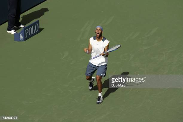 Tennis: US Open, Aerial view of USA James Blake victorious during 3rd round vs ESP Rafael Nadal at National Tennis Center, Flushing, NY 9/3/2005