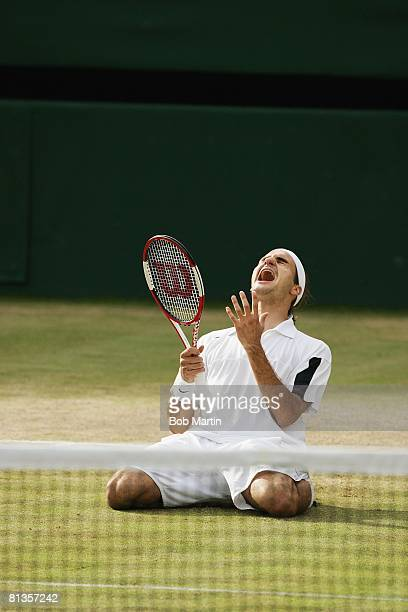 Tennis Wimbledon Roger Federer victorious after final match vs Mark Philippoussis London GBR 7/6/2003
