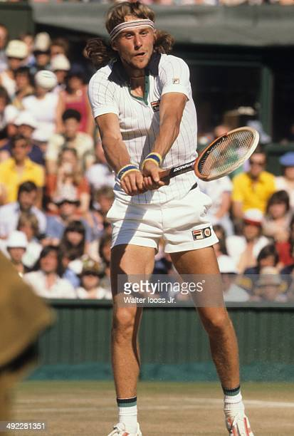 Wimbledon Sweden Bjorn Borg in action vs USA Jimmy Connors during Men's Final at All England Club London England 7/3/1977 CREDIT Walter Iooss Jr