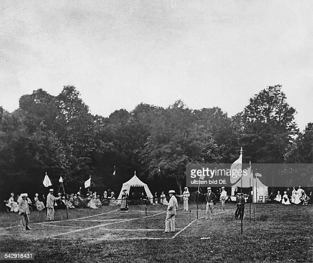 """Tennisplatz in Bad Homburg; Originaltext: """"Einer der ersten Tennisplätze in Deutschland""""- 1876"""