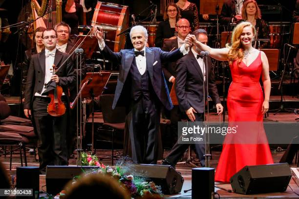 Tenor Jose Carreras and soprano singer Elena Stikhina perfom on stage during the Thurn Taxis Castle Festival 2017 on July 23 2017 in Regensburg...