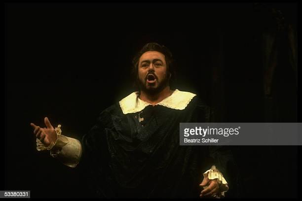 Tenor Luciano Pavarotti singing the role of Edgardo in Donizetti's 'Lucia di Lammermoor' on stage at the Metropolitan Opera