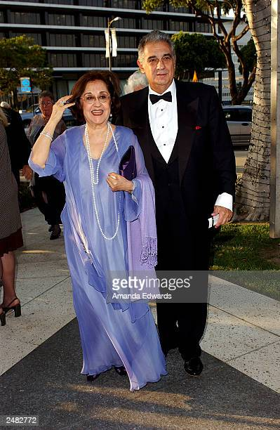"""Tenor Placido Domingo and his wife Marta arrive at the Los Angeles Opera's opening of its 18th season with a production of """"La damnation de Faust"""" at..."""