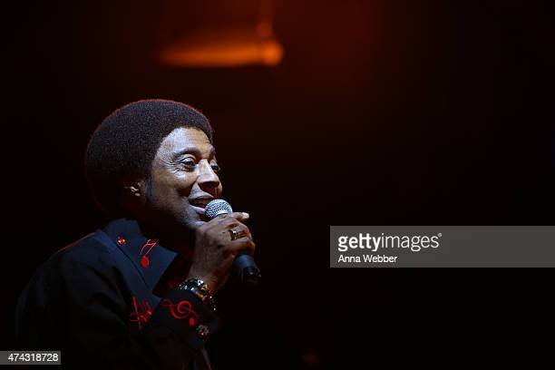 Tenor singer Glenn Leonard of the Temptations performs a tribute to BB King at BB King Blues Club Grill on May 21 2015 in New York City King passed...