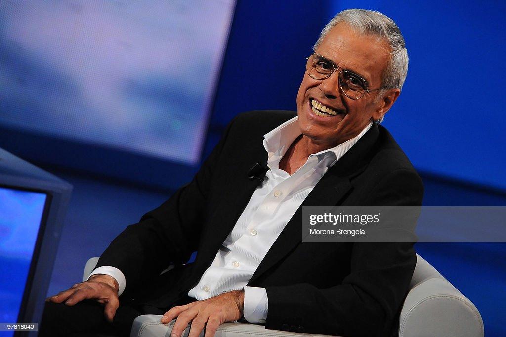 Teo Teocoli during the Italian tv show 'Che tempo che fa' on December 24, 2008 in Milan, Italy.