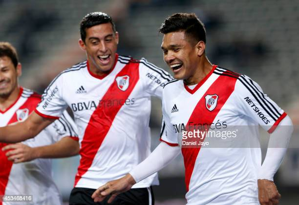 Teofilo Gutierrez celebrates after scoring the opening goal during a match between Gimnasia y Esgrima La Plata and River Plate as part of the first...