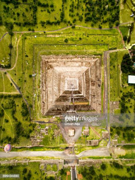 teotihuacan - pyramid shape stock pictures, royalty-free photos & images
