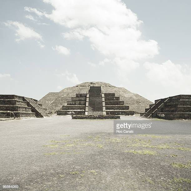 teotihuacan - aztec civilization stock photos and pictures