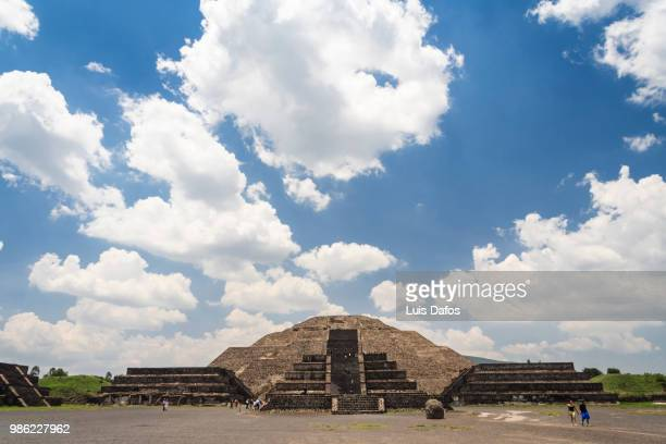 teotihuacan, pyramid of the moon - dafos stock photos and pictures