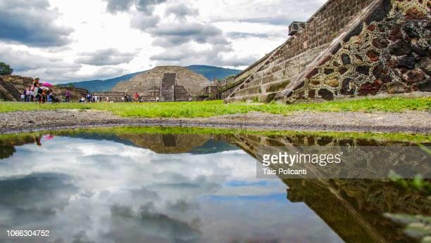 teotihuacan pyramids near mexico city, mexico - astecas imagens e fotografias de stock