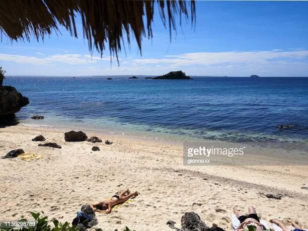 tepanee strand in malapascua, philippinen - cebu stock-fotos und bilder