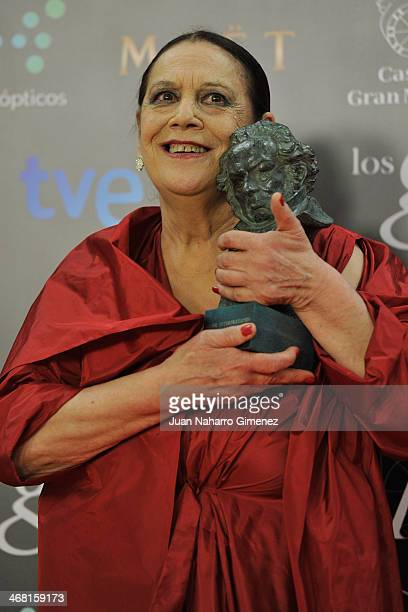 Terele Pavez holds his award for best supporting actress in the film 'Las brujas de Zugarramurdi' during the 2014 edition of the 'Goya Cinema Awards'...