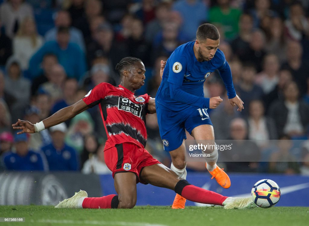 Chelsea v Huddersfield - Premier League : News Photo