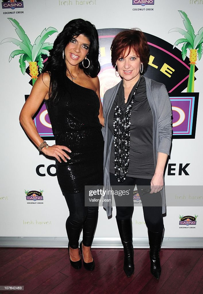 Real Housewives of New Jersey Caroline Manzo and Teresa Giudice Meet and Greet