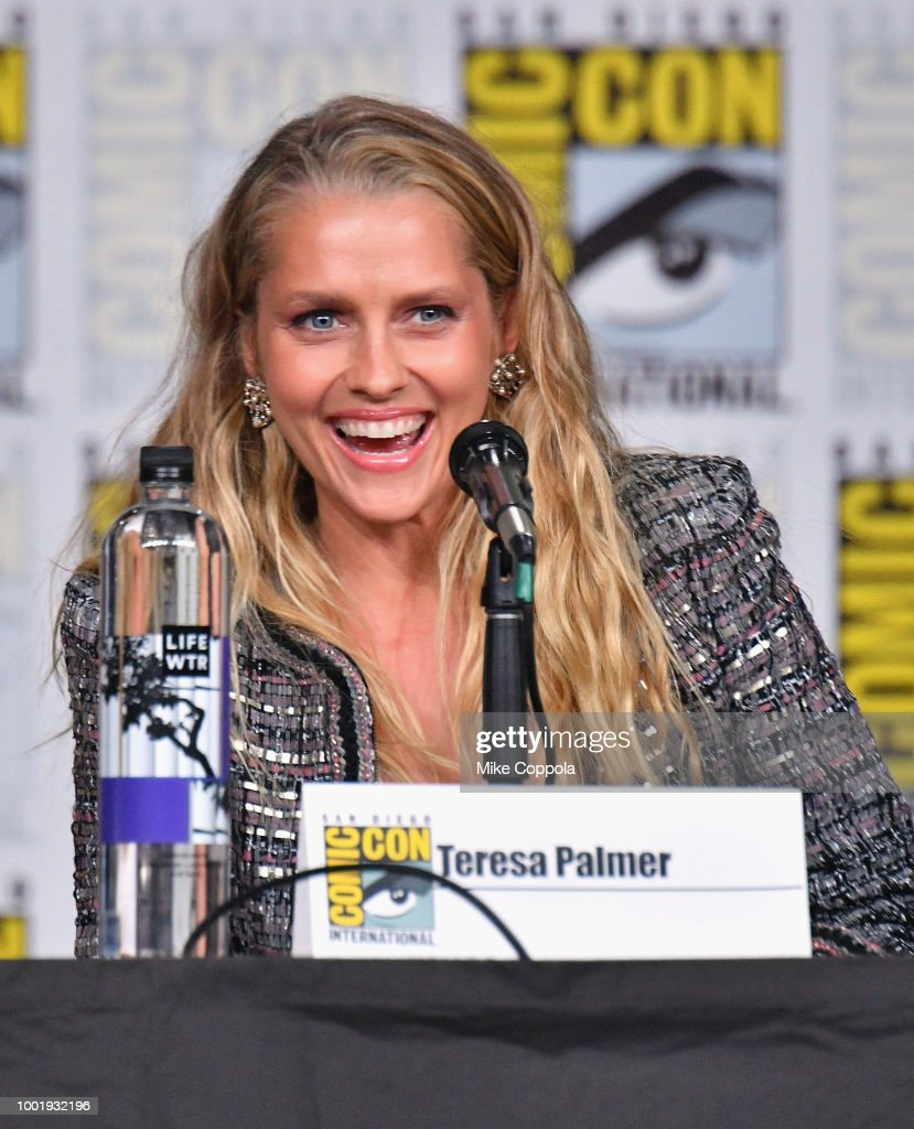 Comic-Con International 2018 - A Discovery Of Witches Panel