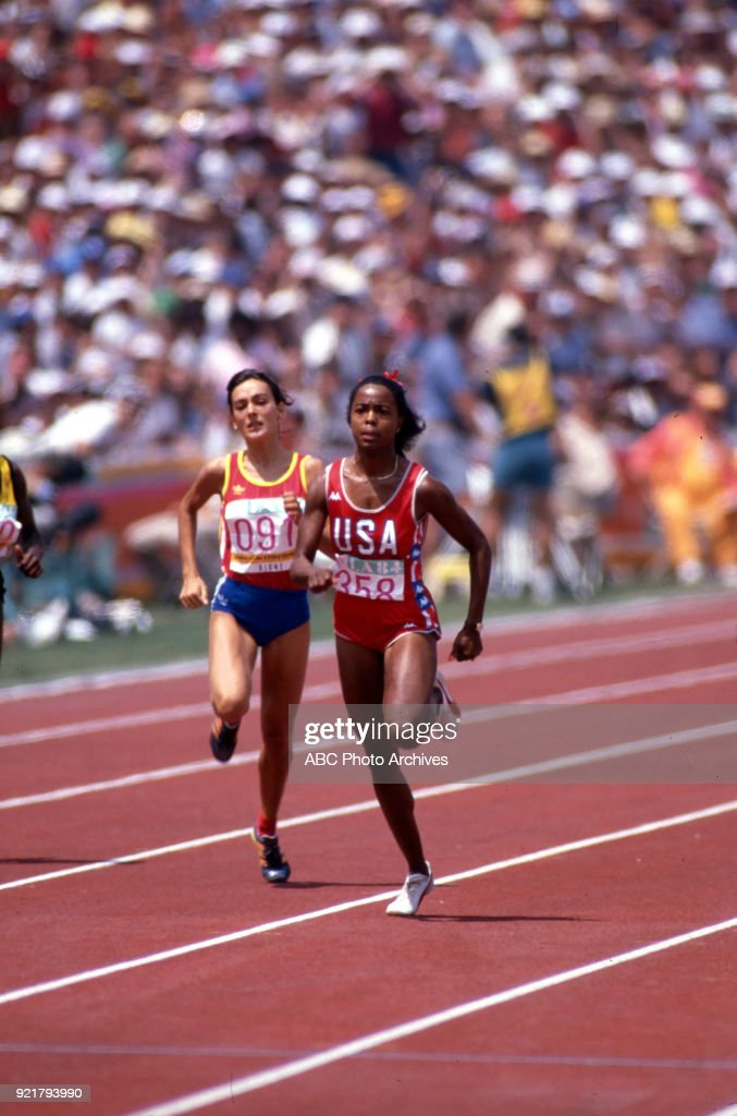 Women's Track 100 Metres Competition At The 1984 Summer Olympics : News Photo