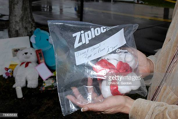 Teresa Rubinfield a fan of Anna Nicole Smith brings a little teddy bear inside a ziplock bag that says Anna Daniel Rest in Peace to a makeshift...