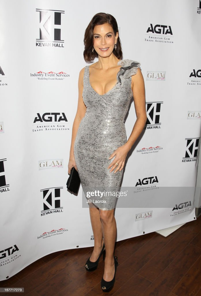 Teri Hatcher attends the Kevan Hall Presents His Spring 2013 Collection on December 5, 2012 in Los Angeles, California.