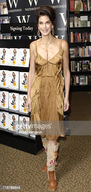 Teri Hatcher during Teri Hatcher Signs Her New Book 'Burnt Toast and Other Philosophies of Life' at Waterstones June 7 2006 at Waterstone's in London...