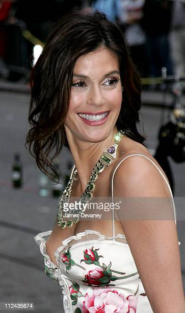 Teri Hatcher during Teri Hatcher Stops By the 'Late Show With David Letterman' May 11 2006 at Ed Sullivan Theatre in New York City New York United...