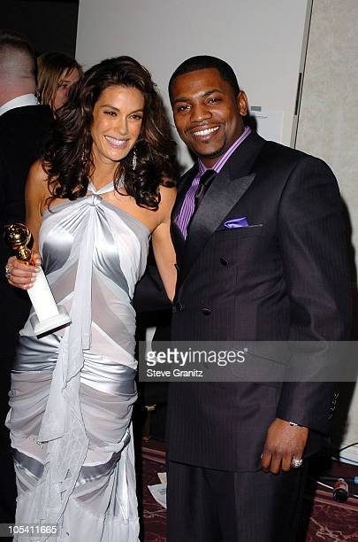 Teri Hatcher winner of Best Performance by an Actress in a Television Series Musical or Comedy for Desperate Housewives and presenter Mekhi Phifer