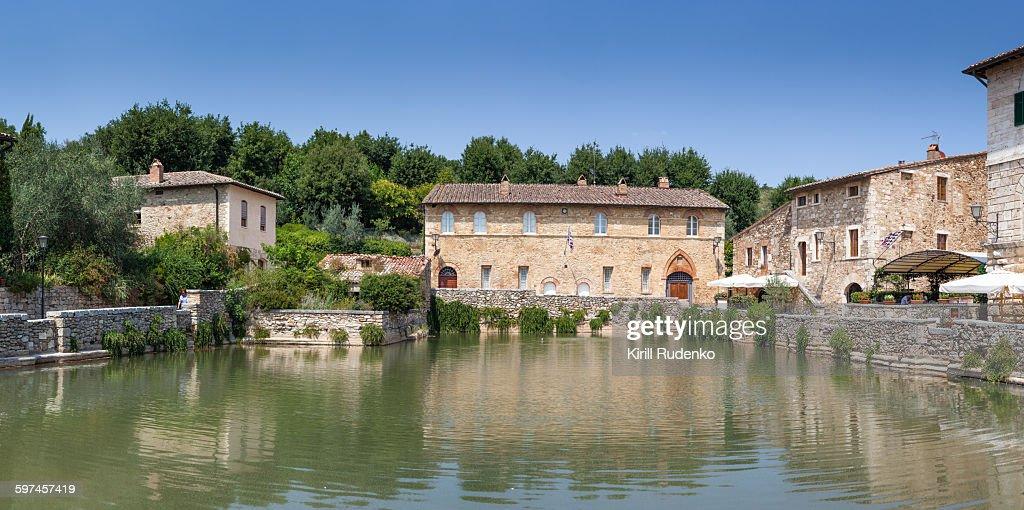 Termal Pool And Ancient Buildings In Bagno Vignoni Stock Photo ...