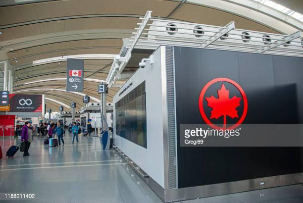 terminal 1, aeropuerto internacional pearson toronto - air canada fotografías e imágenes de stock