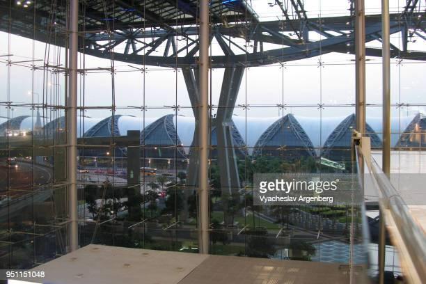 terminals of suvarnabhumi airport, bangkok international airport - argenberg fotografías e imágenes de stock
