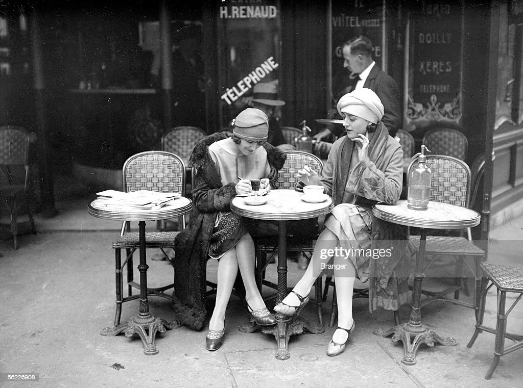 Terrace of cafe. Paris, about 1925. : News Photo