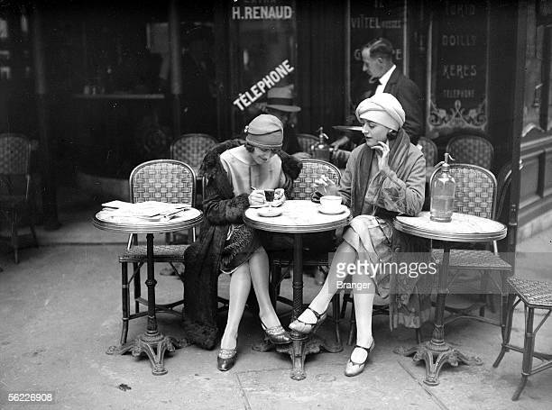 Terrace of cafe Paris about 1925