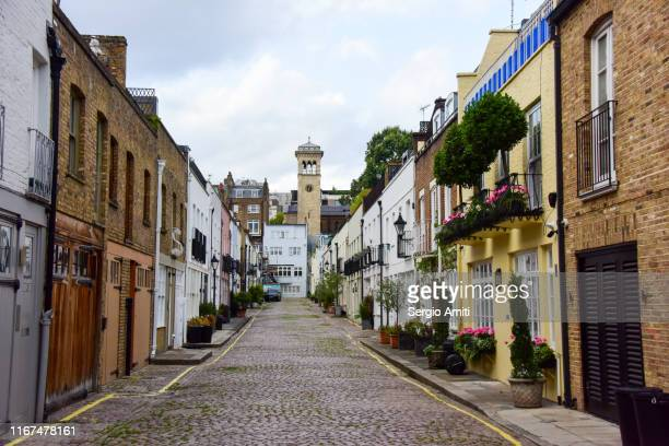 terraced houses in london mews - sergio amiti stock pictures, royalty-free photos & images