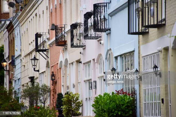 terraced houses in london mews - knightsbridge stock pictures, royalty-free photos & images