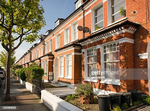 terraced houses in south london - street stock pictures, royalty-free photos & images