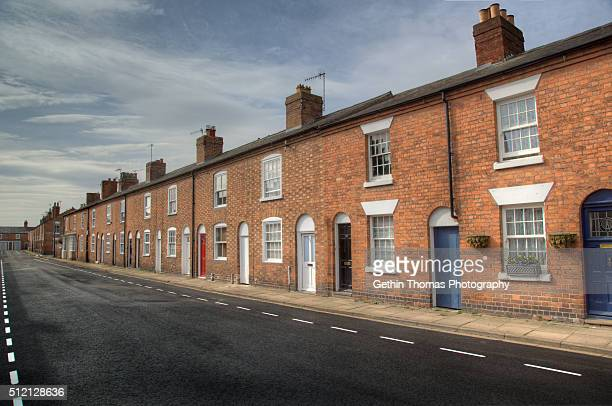 terraced houses in stratford upon avon - terraced_house stock pictures, royalty-free photos & images