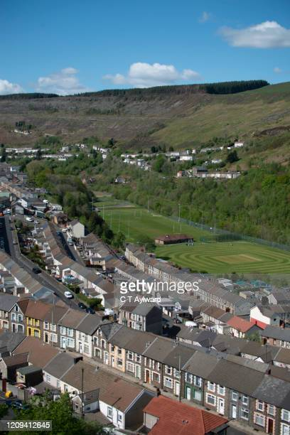 terraced houses of the rhondda valley - south wales stock pictures, royalty-free photos & images