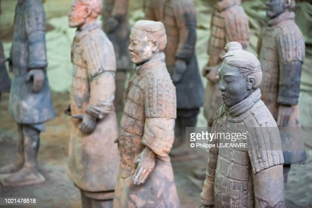 terracotta army in xi'an - emperor stock pictures, royalty-free photos & images